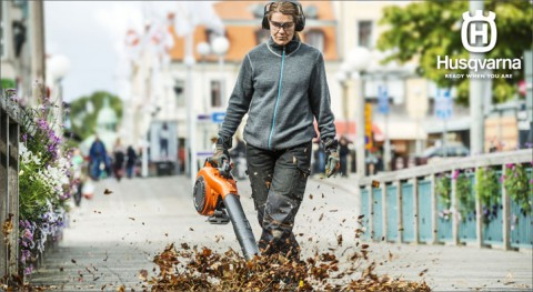 Clean-up is a breeze with Husqvarna's 525BX commercial handheld blower